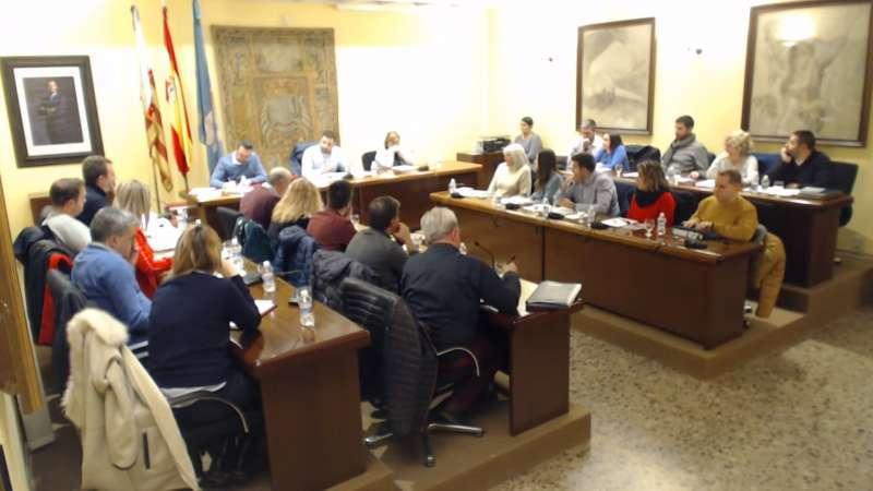 Pleno municipal de Requena. Archivo