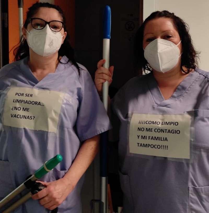 Personal de limpieza en protesta