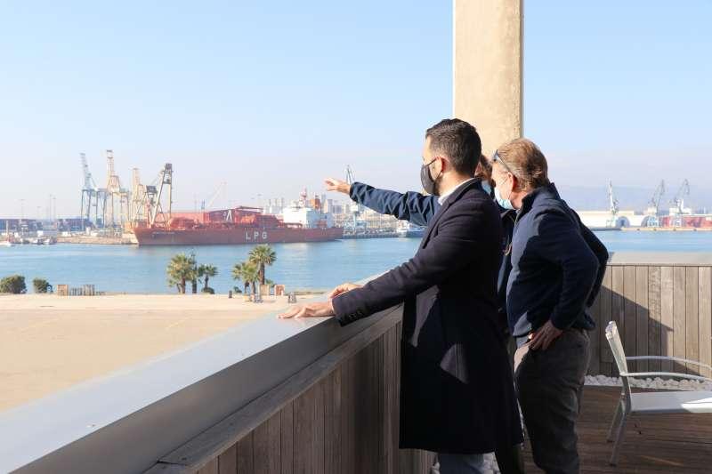 Visita del alcalde al port