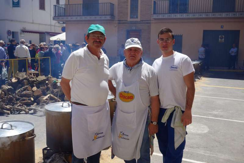 Los cocineros de las calderas de la festividad de Quart de les Valls. EPDA