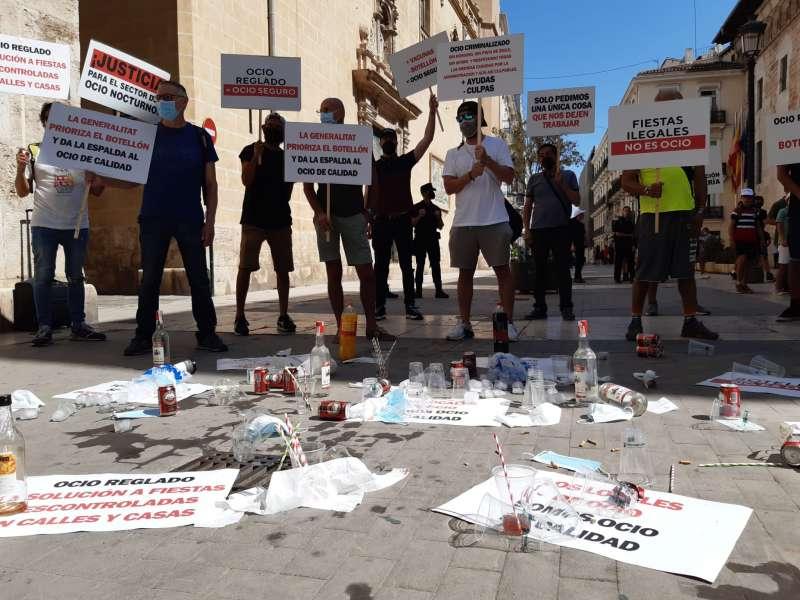Protesta de las Pymes frente a las Cortes Valencianas. EPDA