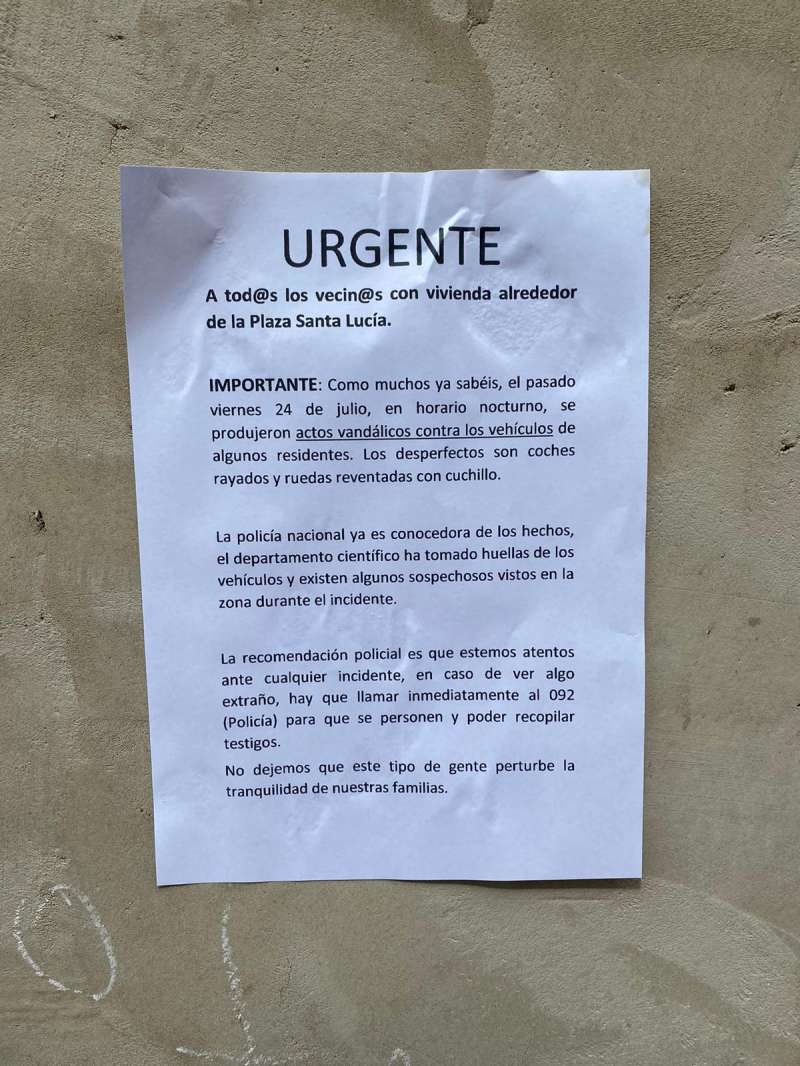 Nota de aviso vecinos de Plaza Santa Lucía, Torrent./ EPDA