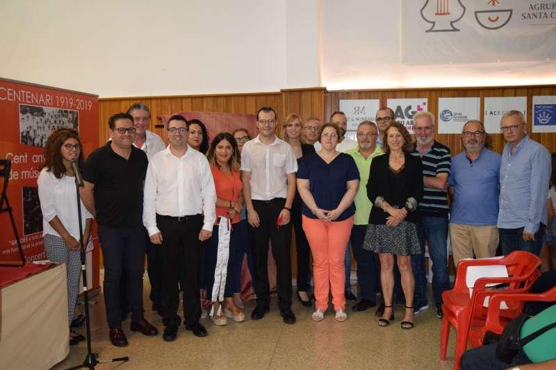 Alcalde i concejals amb els directors. EPDA