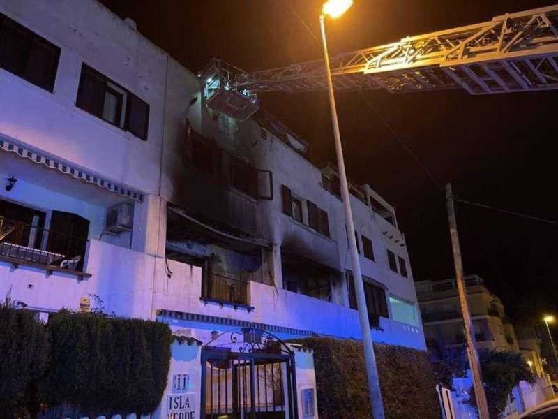 Intervención en el incendio, en una imagen de Bomberos.