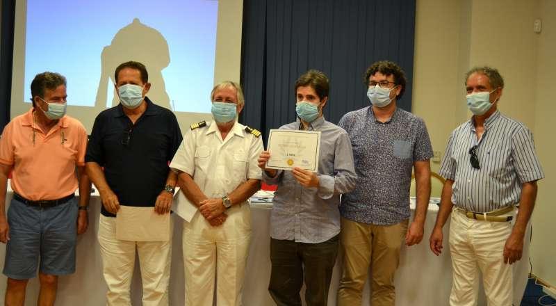 Primer premio a Pedro Quesada. EPDA