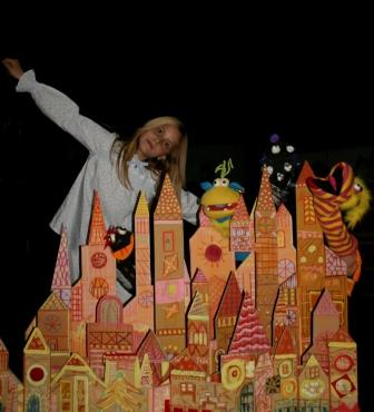 A las 18?00 horas en el auditorio del centro cultural se realizará la representación del teatro infantil