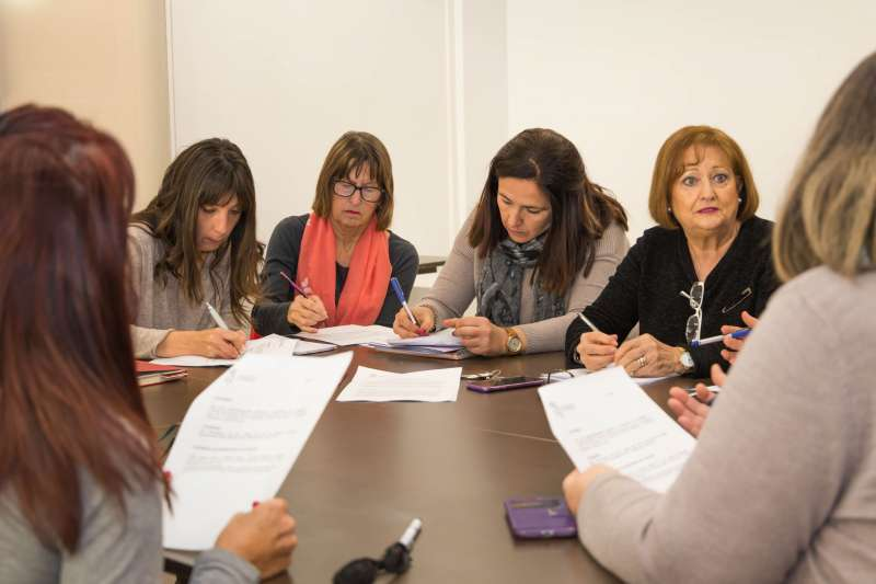 Mislata se reúne con las asociaciones de Mujeres.
