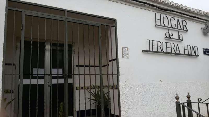 Fachada del Hogar del Jubilado de San Antonio de Benagéber.//EPDA