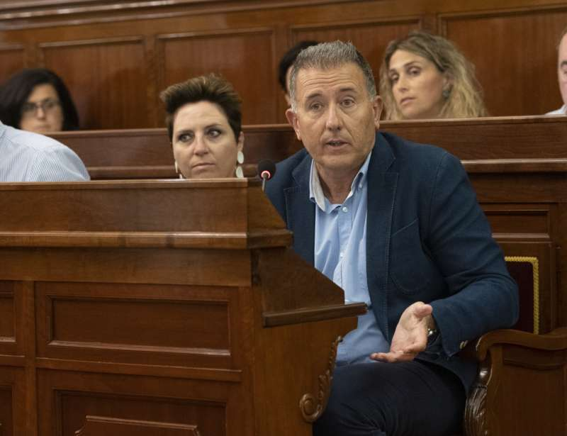Vicente Sales en una sesión de la Diputación