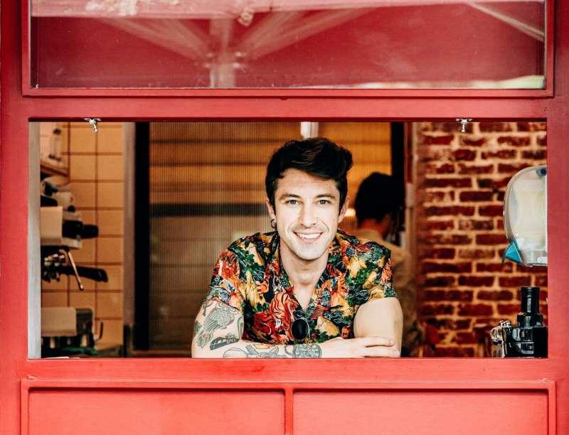 Roberto Bosquet, más conocido como Chef Bosquet, posa en uno de sus restaurantes en una imagen facilitada por él mismo. EFE