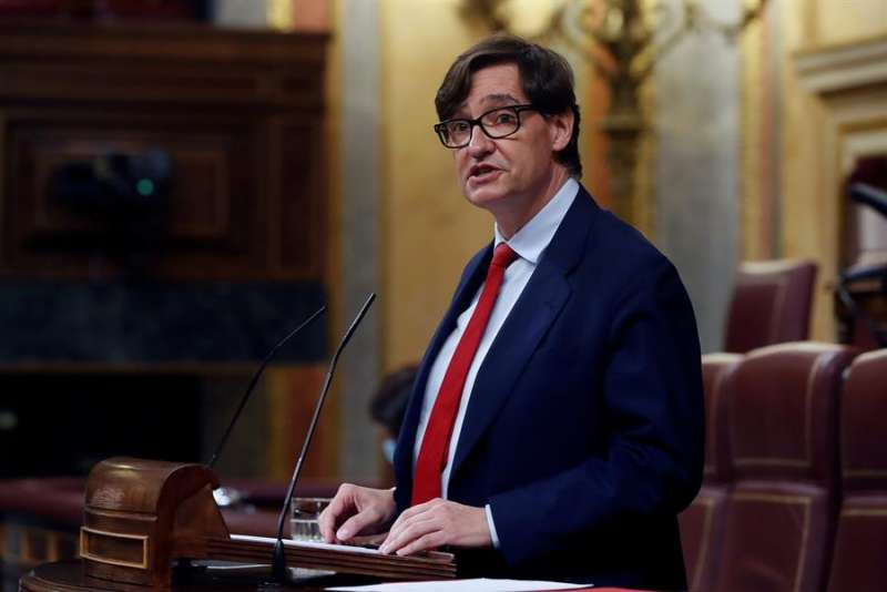 El ministro de Sanidad, Salvador Illa, durante su intervención en el debate del proyecto de presupuestos generales del Estado. EFE
