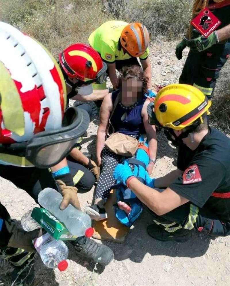 Una imagen del rescate facilitada por el Consorcio de Bomberos. EFE