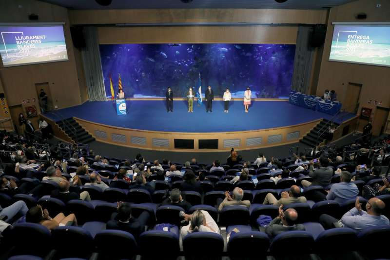 El president de la Generalitat, Ximo Puig, participa en el acto de entrega de las banderas azules de la Comunitat Valenciana 2021.